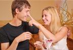 女性の「母性本能をくすぐる男」になる方法って?