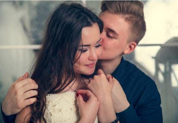 好きが溢れる…彼がより惚れてしまう「愛情キス」とは