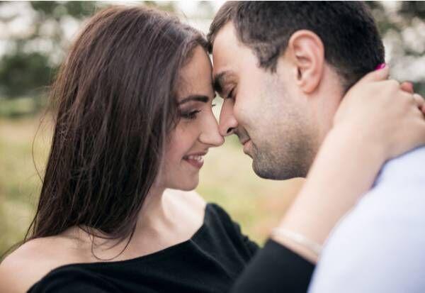 ドキドキが止まらない!女性が「ムラっとするキス」の仕方