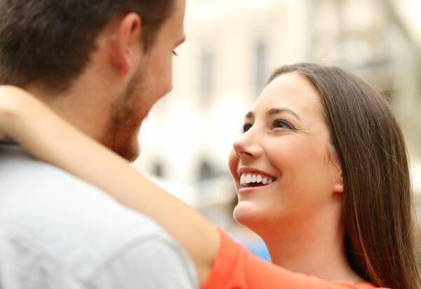 愛してるってこと!「彼氏にゾッコンな女性」がする行動って?