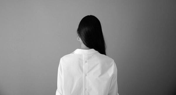 日本のテキスタイルで手に届く上質を追求するブランド TH_READ から初のレディースシャツが登場。NEWoMan新宿1er Arrondissementにて発売中。