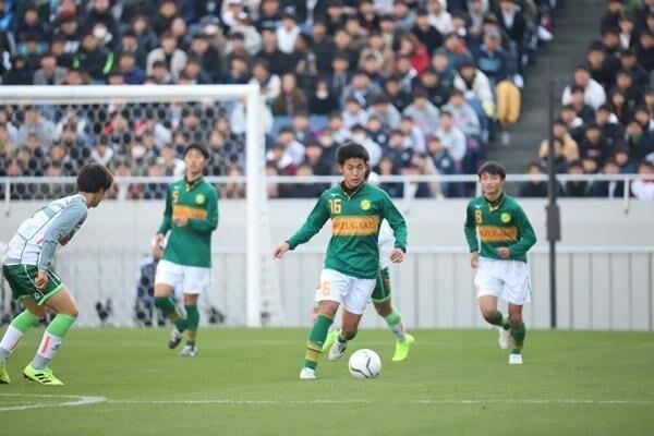 マニュアル通りの指導ではコピーを生むだけ。見る者を魅了するサッカーを貫く静岡学園の井田勝通総監督が若い指導者に伝えたいこと