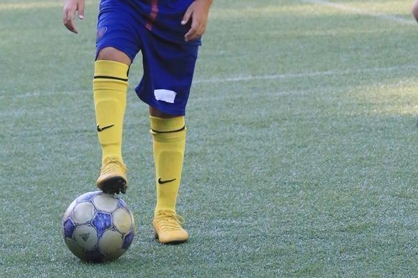 子どものスポーツの成績は育児の成果? スポーツ少年の保護者を悩ます見えないプレッシャーの正体
