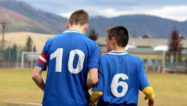 サッカーでも大事なコミュニケーション能力とは? 高めるポイントを解説