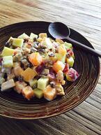 冬が完全到来する前に…秋の味覚を駆け込みで味わえる「柿とさつまいものヨーグルトサラダ」
