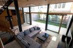 漆喰、無垢材…素材からスイッチまでこだわった美しい家【住まいの設計】