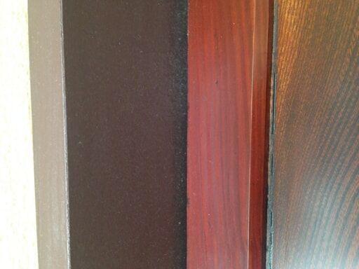 建具と枠に色のギャップ