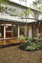 古都・鎌倉の雰囲気にマッチ!自然と質感が豊かな庭を持つ家【住まいの設計】