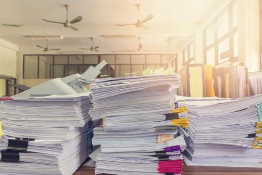 書類がいっぱい
