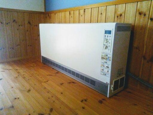電気蓄熱暖房機