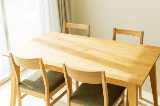 ダイニングテーブル、ソファの最適サイズが分かる計算方法
