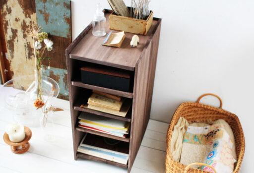 100均グッズで簡単DIY!古道具のような本格的「木製収納棚」を作ろう!