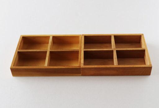 セリアの「木製仕切りトレイ 4マス」2つを接着
