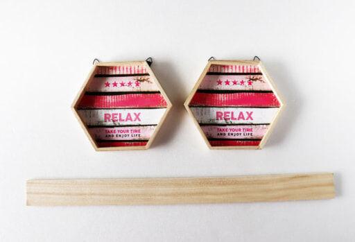 「木製ヘキサゴンパネル」2個と「木製角材2P」1本