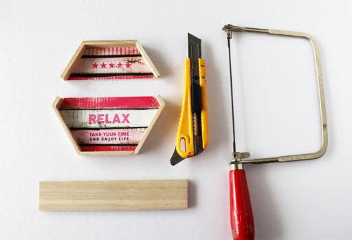 「木製ヘキサゴンパネル」と「木製角材」と道具類