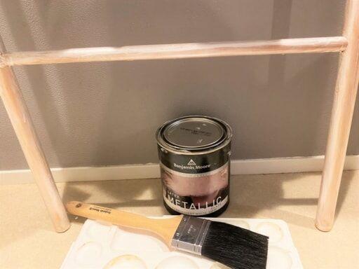 水性塗料はパレットと刷毛があれば塗れる