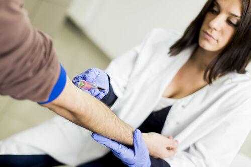 今年「3価から4価」に変わるインフルエンザ予防接種の基礎知識