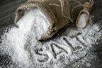 理想は1日5g未満!塩分のとりすぎで体に起こる6つの悪影響