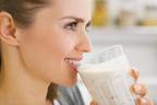 春夏ダイエット流行1位は腸活!腸を刺激するヨーグルトの飲み方