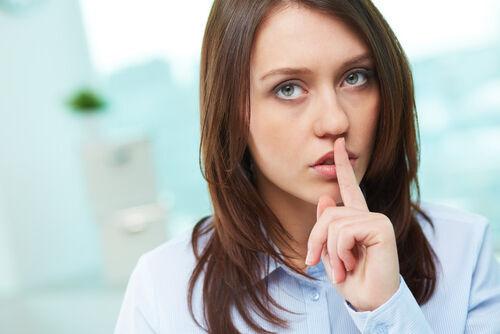 実は会社員の●●%が「言葉」で怒りの感情を何とか抑えていた!