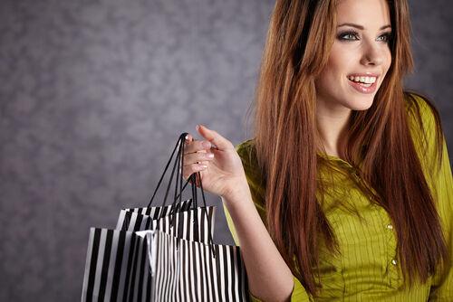3人に1人がやめたくてもやめられない!無駄な買い物ランキング