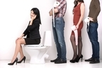 女子トイレ前に行列ができても男子トイレより数を増やせない理由