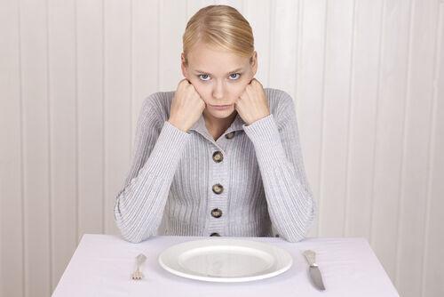 月に5日間カロリー摂取を半分にするだけ!安全で効果的な痩身法