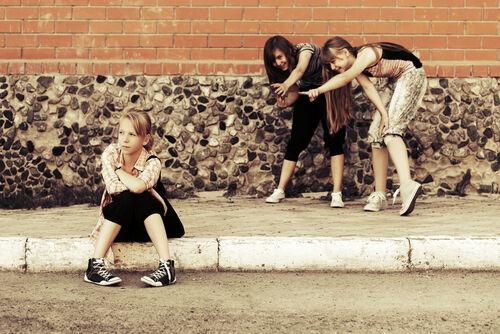 99%が5年も続かない!10代の友情がすぐ破綻してしまう理由