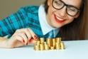 1分で解けた人は戦略的思考の持ち主!偽の金貨を見つけるクイズ