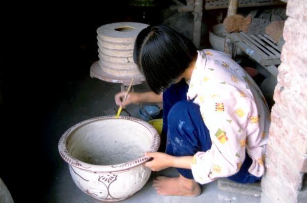 和食にも合う素朴で温もりのあるデザインが魅力!ベトナムの伝統的な陶器「バッチャン焼」