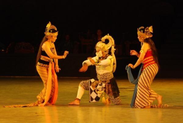 世界遺産で観覧するインドネシア「ラーマヤナ舞踊劇」