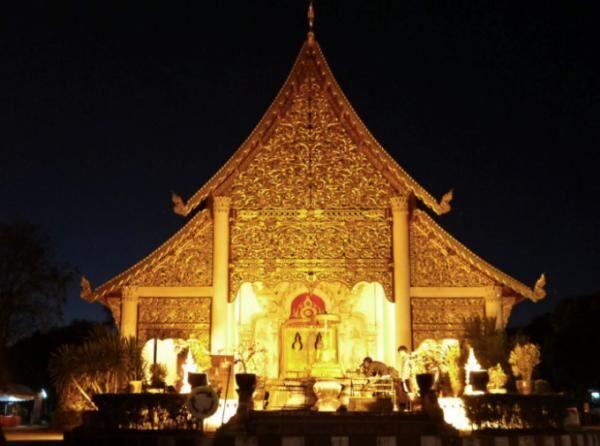 チェンマイ最も大きく格式高い寺院「ワット・プラシン」