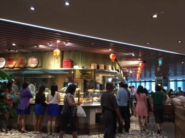 有名ローカル店の味が大集合!シンガポールのフードコート「foodrepublic」