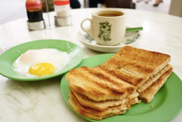シンガポールの朝食と言えば!カヤトースト名店「ヤ・クン・カヤ・トースト」