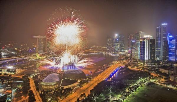 シンガポール最大の年越しイベント「マリーナベイ・カウントダウン2016」