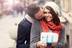 【恋愛運UP】年末のイベントで恋愛を引き寄せてくれる色は?〜12星座別まとめ