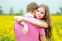 自分の気持ちに素直な恋vs駆け引きをする恋、どちらが正解?