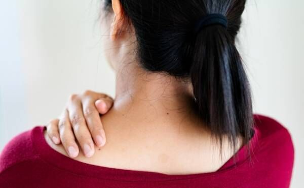 更年期の私を襲った五十肩!激痛の緩和のためにおこなったこと【体験談】