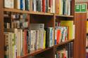 「泊まれる本屋」がパジャマ無料レンタル開始