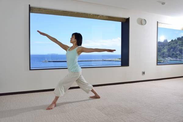 ホテル ミクラス、女性限定「癒しのヨガ&モデルウォーク体験イベント」開催