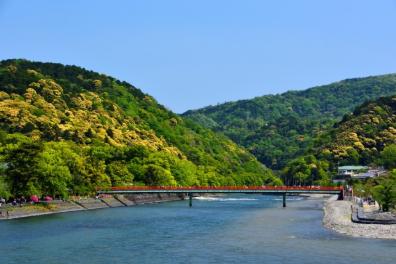 秋の京都で「サイクリング・京都嵐山リレーマラソン」開催