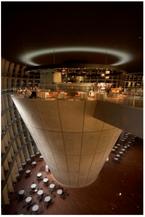 「国立新美術館」館内の飲食店が営業再開!