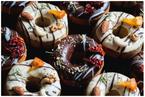 国内初「おつまみ焼きドーナツ」がオンラインで発売開始!