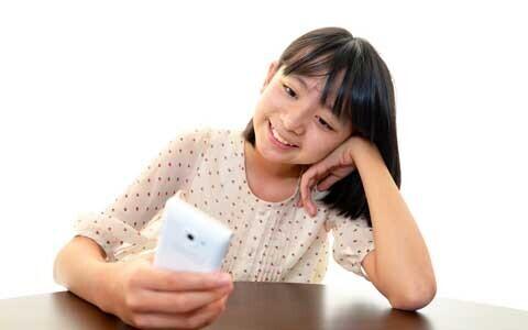 携帯電話・スマートフォン、子どもに何歳から持たせる? 持たせる前にすべきこと
