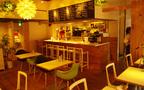 子供と行けるレストラン:外国人ファミリーにも人気! 広尾でロティサリーチキンと樽生ワインに舌鼓「プーレドール」