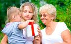 かわいいのはわかるけど…孫を甘やかす祖父母への対応策