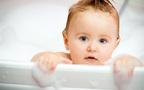 お風呂嫌いな赤ちゃんもニコニコ! バスチェアでお風呂タイムを乗り切ろう!