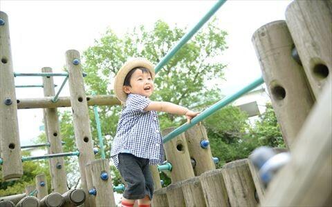 ママの公園デビューが子どもにどんな影響を与えるのか