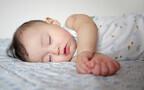 赤ちゃんの昼寝を長くする方法。月齢別の目安や向き合い方のコツ