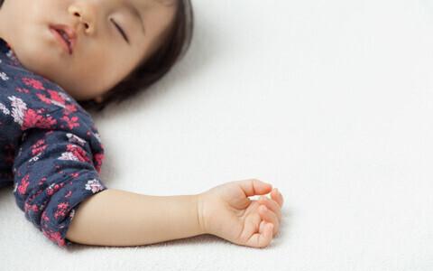 子供の寝汗がすごいのはなぜ? 汗をかいたら気をつけたいこと